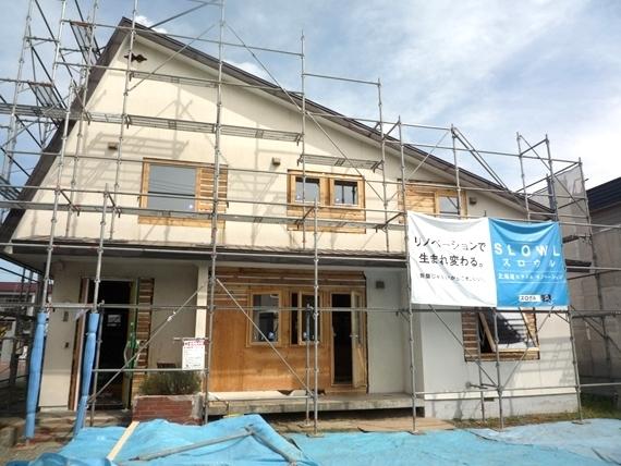 $リノベーションで北海道の豊かな暮らし-江別リノベーション住宅、木製サッシ