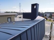 リノベーションで北海道の豊かな暮らし-招き屋根を片流れにリノベーション
