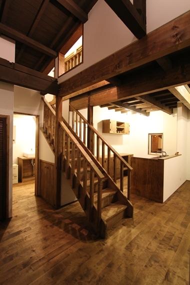 リノベーションで北海道の豊かな暮らし-札幌リノベーション住宅「白樺と薪ストーブの家」